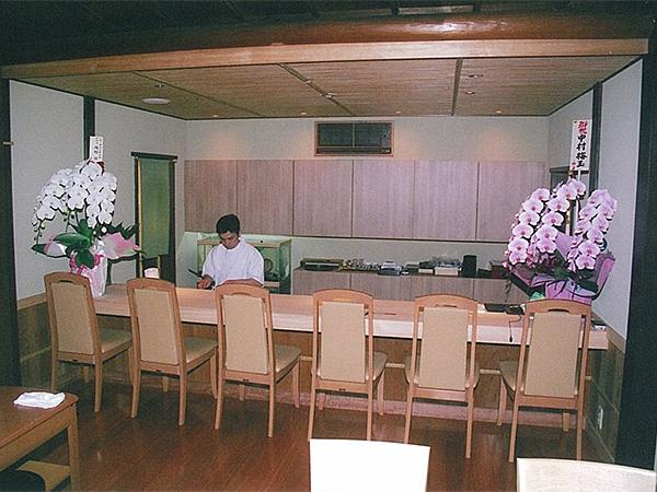 店舗・内部 場所:京料理(京都祇園) 天井・床・カウンター