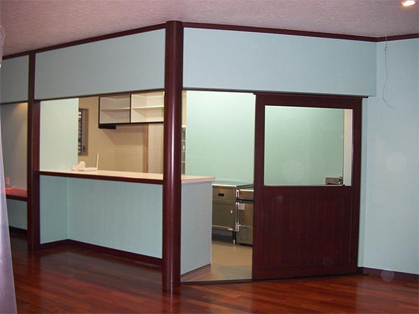 店舗・内部 場所:喫茶店 内法・建具・床